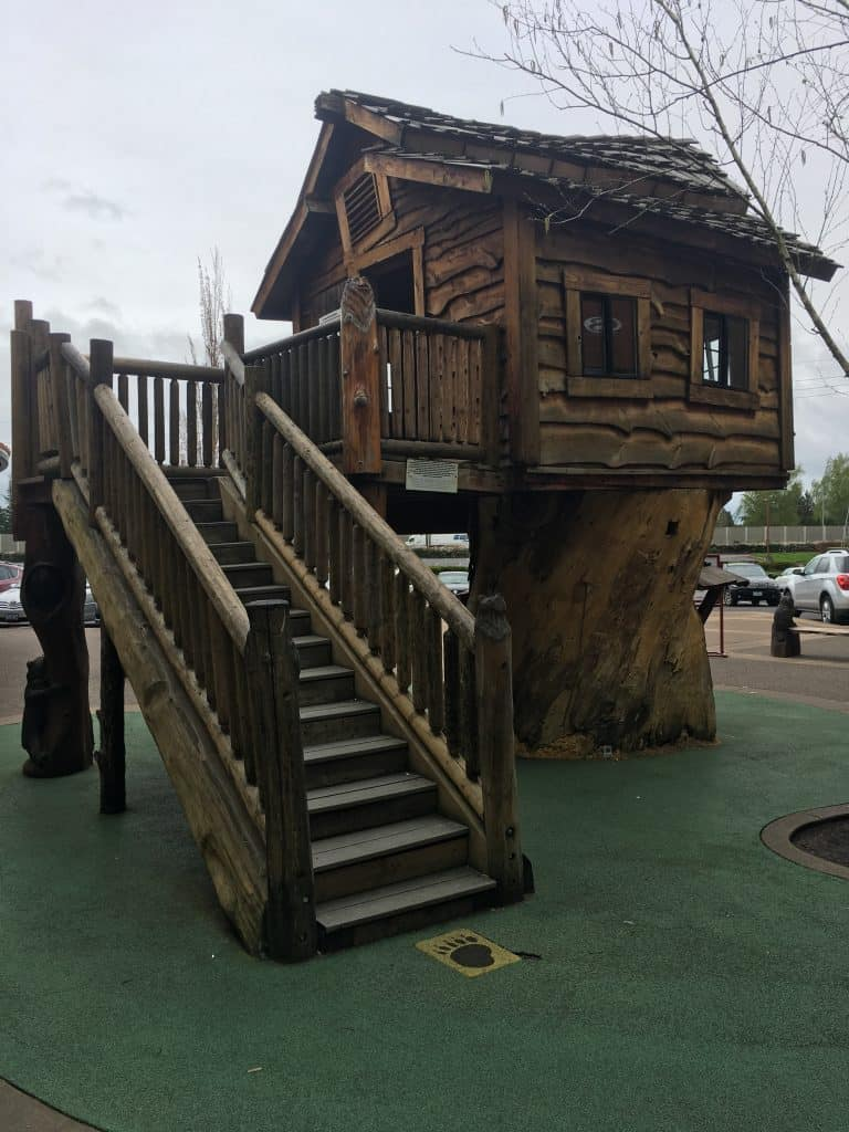Whimsical Treehouse Woodburn, OR