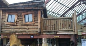 woodburn outlets treehouse